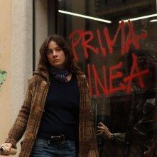 Giovanna Mezzogiorno in una sequenza drammatica del film La prima linea