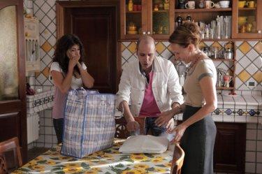 Luca Medici con gli altri protagonisti della commedia Cado dalle nubi (2009)