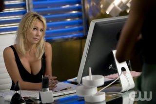 Melrose Place: Heather Locklear in una scena dell'episodio Cahuenga