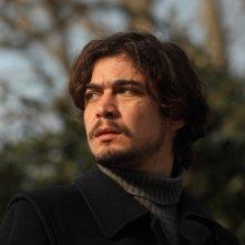 Riccardo Scamarcio è Sergio Segio nel film La prima linea