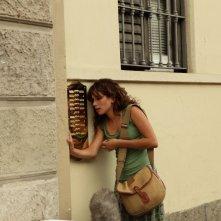 Uno dei protagonisti di Cado dalle nubi (2009) in una scena della commedia targata TaoDue.