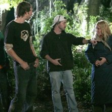 Deon Richmond, Joel David Moore, Adam Green e Mercedes McNab sul set di Hatchet
