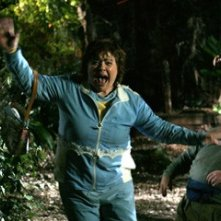 Patrika Darbo in una scena dell'horror Hatchet
