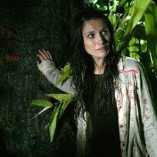 Tamara Feldman in una scena dell'horror Hatchet
