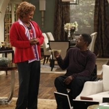 Brothers: CCH Pounder e Daryl Mitchell nell'episodio House Rules - Anniversary