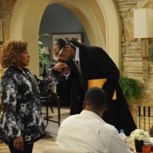 Brothers: Snoop Dogg e CCH Pounder nell'episodio Snoop/Fat Kid