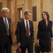 Law & Order: Sam Waterston, Linus Roache ed Alana De La Garza nell'episodio Dignity