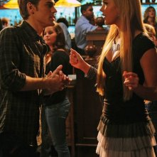 Stefan (Paul Wesley) in compagnia di Lexie (Arielle Kebbel) nell'episodio 162 Candles di The Vampire Diaries