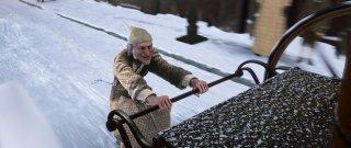 Ebenezer Scrooge (doppiato da Jim Carrey) è il protagonista del film A Christmas Carol (2009)