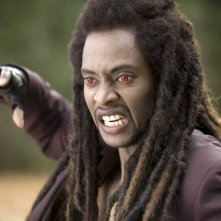 Edi Gathegi interpreta Laurent in una sequenza del film New Moon