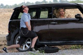 Elio Germano con Myriam Catania nel film 'La bella gente'.