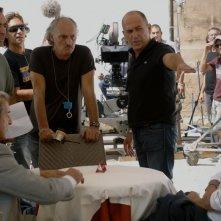 Ennio Fantastichini, Ferzan Ozpetek e Riccardo Scamarcio sul set del film Mine vaganti