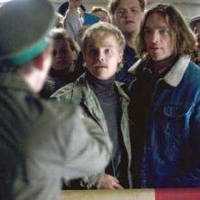 Matthias Koeberlin e Ronald Zehrfeld nel film TV tedesco Final Days - La libertà oltre il muro