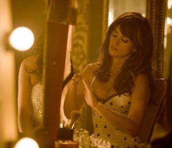 Penelope Cruz in una sequenza del musical Nine