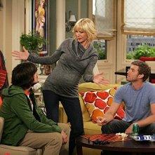 Accidentally on Purpose: Jenna Elfman, Jon Foster e Nicolas Wright in una scena dell'episodio Working Girl