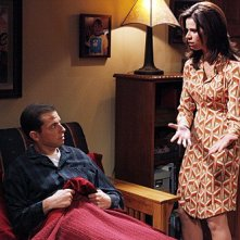 Due uomini e mezzo: Jon Cryer e Jennifer Bini Taylor nell'episodio The Moustache Attachment