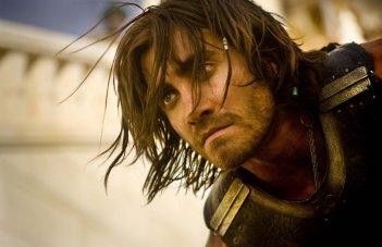 Un primo piano del Principe Dastan interpretato da Jake Gyllenhaal nel film Prince of Persia: Sands of Time