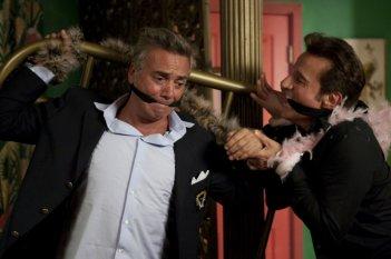 Massimo Ghini e Christian De Sica in una scena di Natale a Beverly Hills