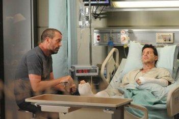 Hugh Laurie in una scena di Brave Heart, dalla sesta stagione di Dr. House: Medical Division