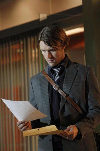 Jesse Spencer in una scena di Instant Karma dalla sesta stagione di Dr. House: Medical Division