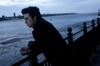 Aaron Johnson in una immagine di Nowhere Boy