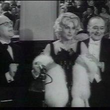 Anna Magnani e Totò in una scena di Risate di gioia
