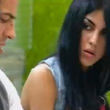 Grande Fratello 10: Veronica chiacchiera con Giorgio mentre lavano i piatti