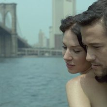 Lynn Collins e Joseph Gordon-Levitt nel film Uncertainty