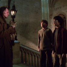 David Bradley, Daniel Radcliffe e Rupert Grint in una scena di Harry Potter e la camera dei segreti