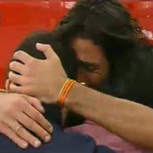Grande Fratello 10, quarta puntata: Davide abbraccia gli altri concorrenti prima di uscire