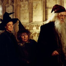 Maggie Smith, Miriam Margolyes e Richard Harris in una scena di Harry Potter e la camera dei segreti