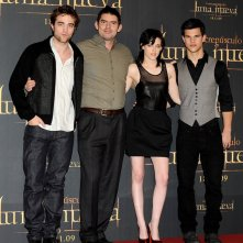 Robert Pattinson, Chris Weitz, Kristen Stewart e Taylor Lautner per il Photocall del film New Moon, a Madrid