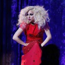 Lady Gaga durante il suo concerto privato nell'episodio The Last Days of Disco Stick di Gossip Girl