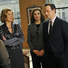 The Good Wife: Christine Baranski, Julianna Margulies e Josh Charles nell'episodio Threesome