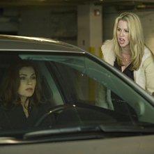 The Good Wife: Julianna Margulies e Kim Shaw nell'episodio Threesome