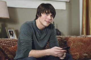 V: Logan Huffman nell'episodio It's Only The Beginning