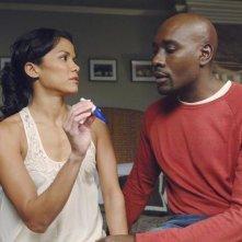 V: Morris Chestnut e Lourdes Benedicto in una scena dell'episodio It's Only The Beginning