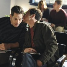 Brothers & Sisters: Matthew Rhys e Luke MacFarlane nell'episodio Pregnant Pause