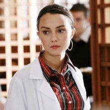 Caterina Misasi nei panni di Fanny Levantesi in una scena di Un medico in famiglia 6