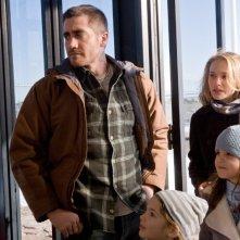 Jake Gyllenhaal, Taylor Geare, Natalie Portman e Bailee Madison in una scena di Brothers