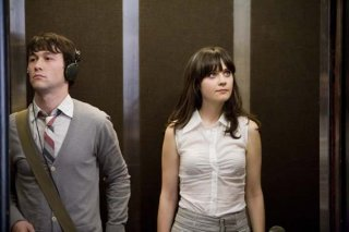 Joseph Gordon-Levitt e Zooey Deschanel sono i protagonisti del film 500 giorni insieme (2009)