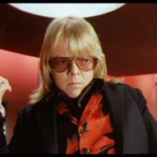 Paul Williams in una scena del thriller musicale Il fantasma del palcoscenico ( 1974 )