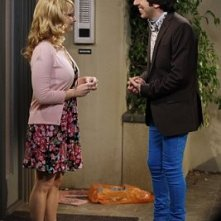 The Big Bang Theory: Simon Helberg e Melissa Rauch in un momento dell'episodio The Vengeance Formulation