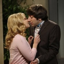 The Big Bang Theory: Simon Helberg e Melissa Rauch nell'episodio The Vengeance Formulation
