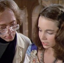 William Finley con Jessica Harper in una scena del film Il fantasma del palcoscenico (1974)