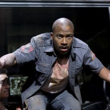 Columbus Short in una scena del film Armored