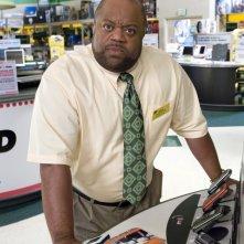 Mark Christopher Lawrence in una foto promozionale della serie tv Chuck