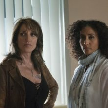 Sons of Anarchy: Katey Sagal e Bellina Logan nell'episodio Potlatch