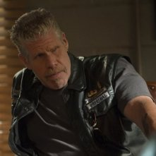 Sons of Anarchy: Ron Perlman nell'episodio Smite