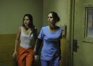 Dollhouse: Eliza Dushku ed Ana Claudia Talancon nell'episodio Meet Jane Doe